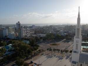 Maputo - Place de l'Hôtel de Ville en haut de Samora Machel